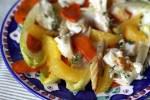 Салат из копченой трески, карамелизированной моркови и цикория