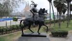 Памятник Писарро перенесли с центральной площади в парк, где его мало ко видит. Лима