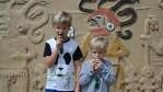 Филипп и Даня осваивают древние индейские свистелки