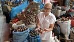 В Перу существуют сотни видов картофеля. На рынке в Арекипе
