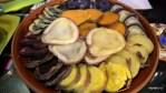 Разные сорта перуанской картошки в ресторане Hatunpa, Арекипа