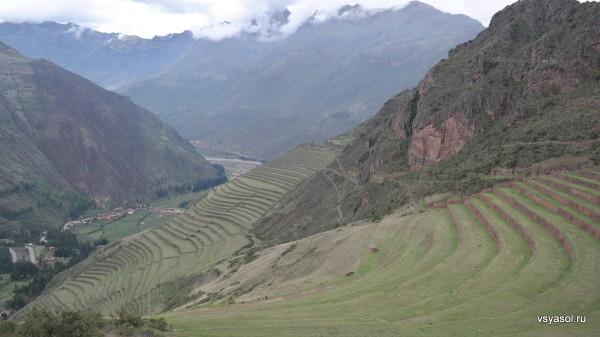 Горные террасы, на которых инки разводили картофель. Писак, Священная долина
