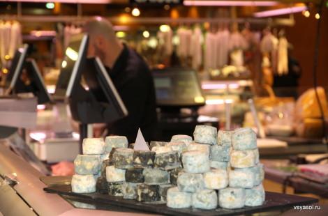 Свежие сыры на Лионском рынке