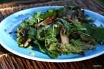Салат с вешенками, вялеными помидорами и кедровыми орешками