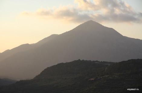В горах Крита