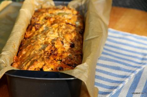 Домашний хлеб с чорисо и сыром фета
