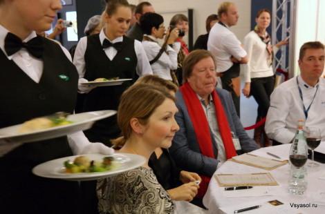 Жюри кулинарных экспертов и владельцев ресторанов