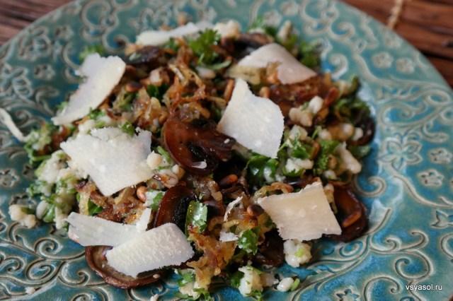 Салат из перловки с жареными грибами – Вся Соль - кулинарный блог Ольги Баклановой
