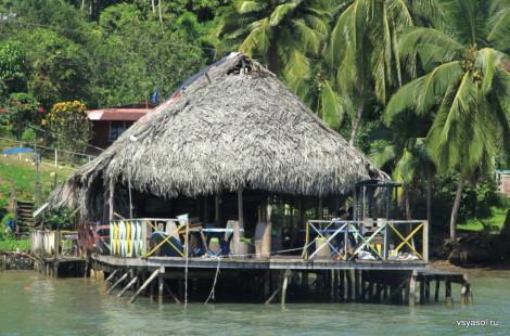 Ресторан Roots, остров Бастиментос, Бокас дель Торо, Панама