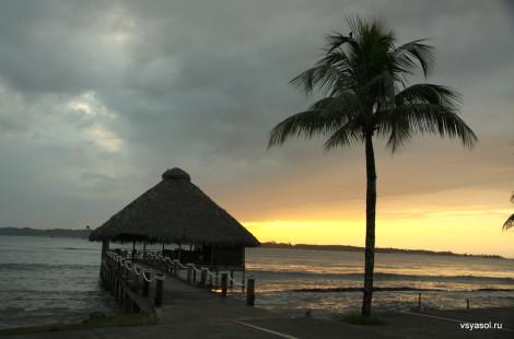 Рассвет на острове Колон