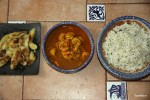 Три в одном: креветки в карибском соусе, рис с кокосом и жареные бананы