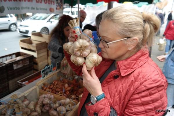 Хорош чеснок! Рынок в Сан-Жан-де-Люз
