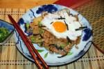 Корейский завтрак: жареный рис с кимчхи