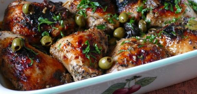 Цыплят по-марбельски готовят