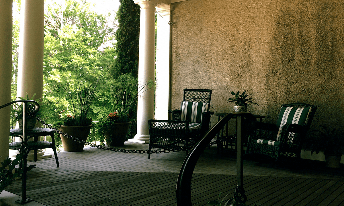 Image of chairs on the porch at Hildene, The Lincoln Family Home