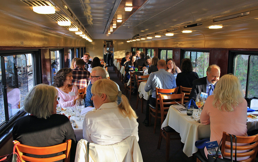 Image of people dining aboard the Green Mountain Railroad