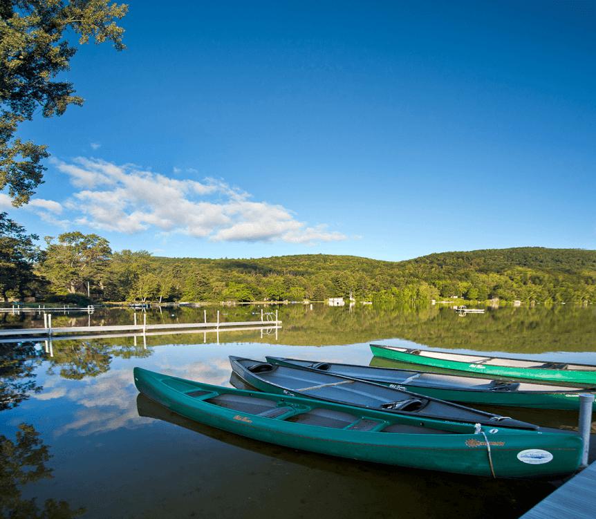Image of kayaks in the morning at Lake Morey Resort