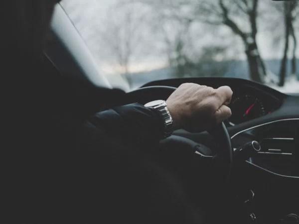 Pourquoi devriez-vous louer des services de chauffeur?
