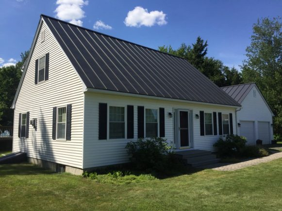 Expert pressure washing of a vinyl home in East Montpelier VT. We removed all mold and algae using eco-friendly exterior cleaning techniques.
