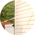 Vinyl home siding powerwashed by Vermont Home Wash