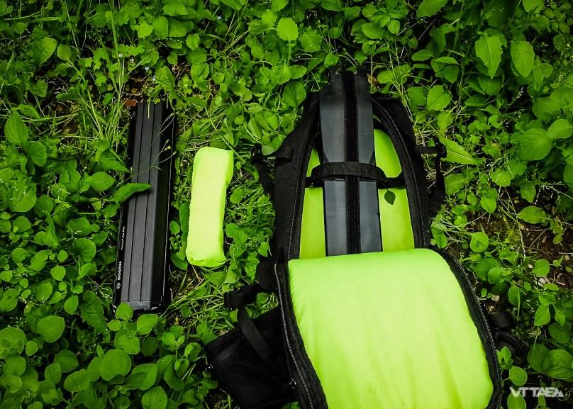 Bosh Innertube (à l'extérieur) et batterie Specialized (dans le sac)