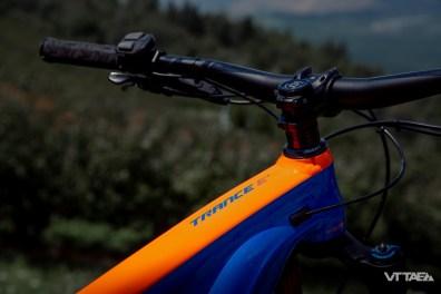 Tout ceci est désormais monté sur des cintres aluminium en 35mm, choix assumé des chefs produits E-bikes Giant pour aller avec une exigence de rigidité en hausse sur ce type de monture.