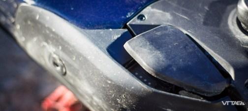 Seul véritable bémol auSpecialized Turbo Levo dans sa dernière livrée : la protection du moteur, qui semble faire débat. Pour notre part, expérience mitigée lors de cet essai avec le sabot moteur, fixé à la tête de la batterie. Si l'on vient à heurter quelque chose, il se peut que le premier endommage la seconde. Ça a été le cas pour nous : étanchéité compromise mais vélo toujours en état de marche.