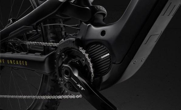 01_Decoy_cf_pro_race_titan_Motor_Driveside