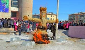 Celebración rusa de final del invierno. Maslenitsa ( Shrovetide ) Imagen: ©depositphotos.com/cherniyvg