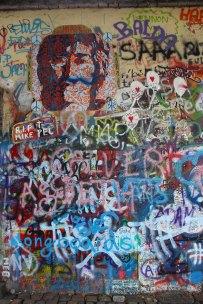 Murales en memoria de john lennon. Imagen: © Depositphotos/umbertop_100