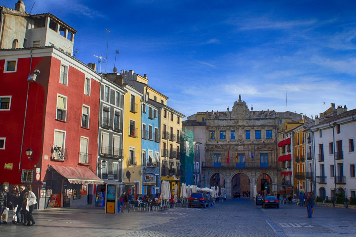 Plaza Mayor, al fondo el Ayuntamiento -M. Peinado ,CC BY 2.0