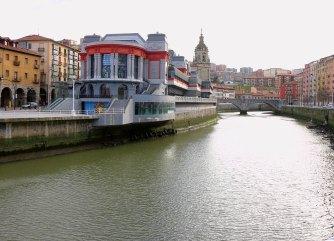 Vista del Mercado y Ría de Bilbao Foto: ©depositphotos/livcool