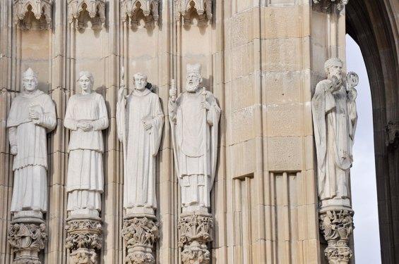 Detalle Esculturas Catedral Nueva