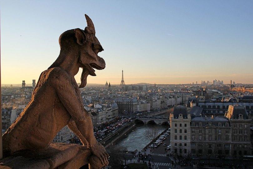 Quimeras o Gárgolas de Notre Dame, París. Vista de París desde Notre Dame.