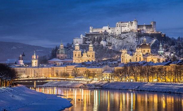El Río Salzach en invierno, Salzburgo, Austria