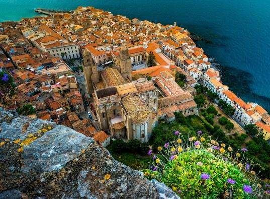 Vista aérea de Cefalù