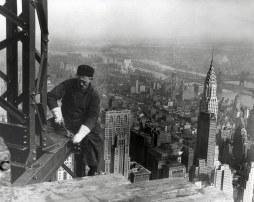 1930. Trabajo de construcción del Empire State Building, Nueva York, EEUU.