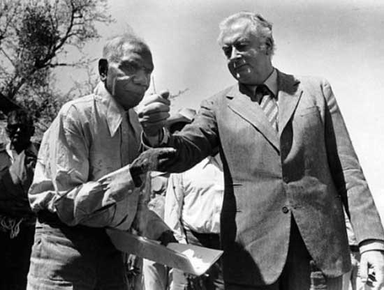 Vincent Lingiari and Prime Minister Whitlam, 1975