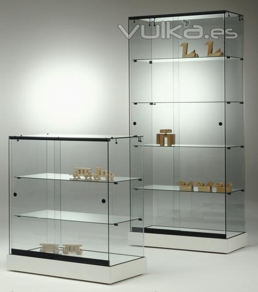 Foto Vitrinas de vidrio para exposiciones base melamina