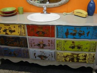 DIY designers create art from antique Habitat ReStore items