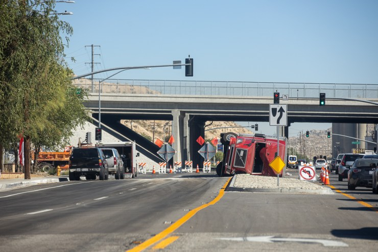 The overturned semi prompted authorities to shutdown eastbound traffic on D Street for several hours. (Gabriel D. Espinoza, VVNG.com)
