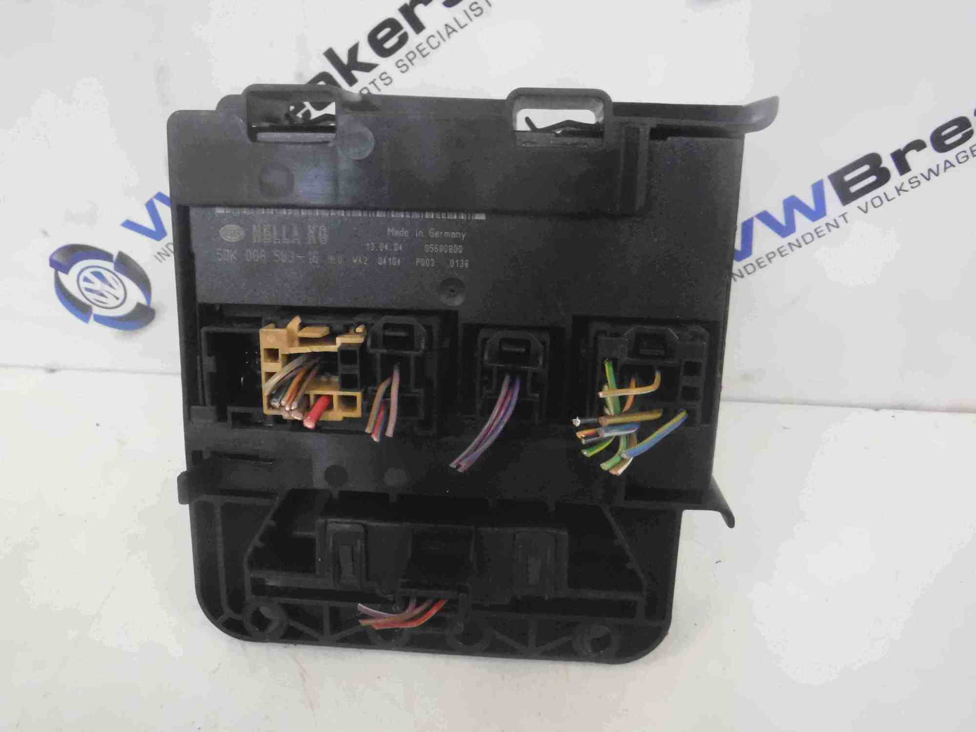 hight resolution of volkswagen golf mk5 2003 2009 engine fuse box unit 5dk008583