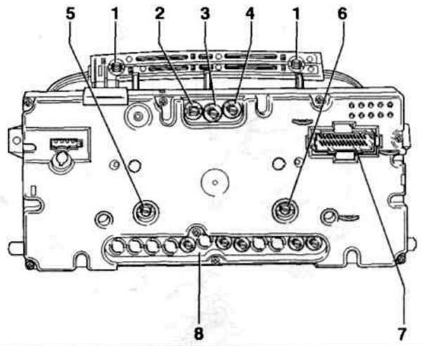 Расположение лампочек в щитке приборов
