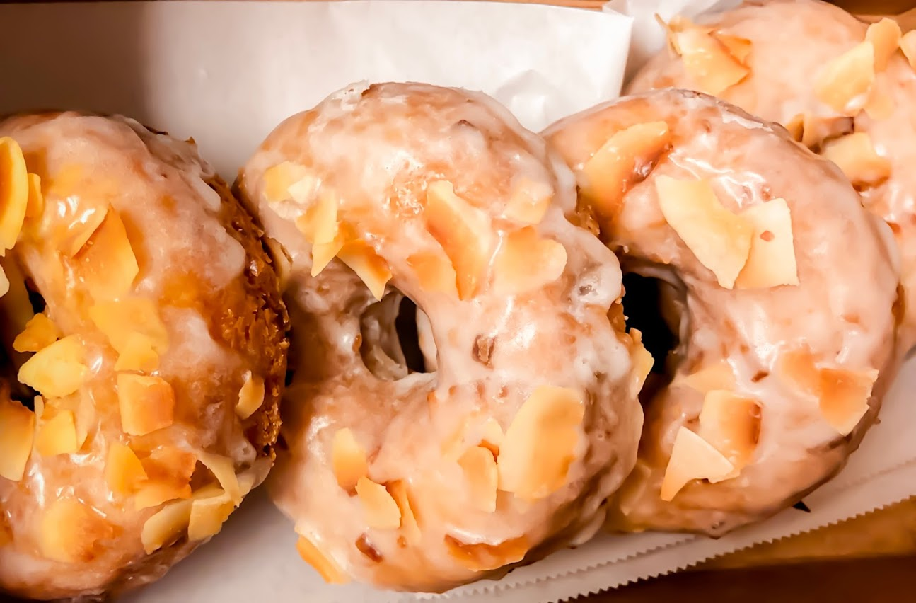 Orange County Donut Shops You Don't Want to Miss | Vy Loves