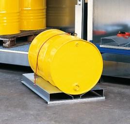 102588 Vatenpallet,  v. container voor gevaarlijke stoffen