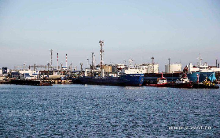 Порт Кавказ с парома