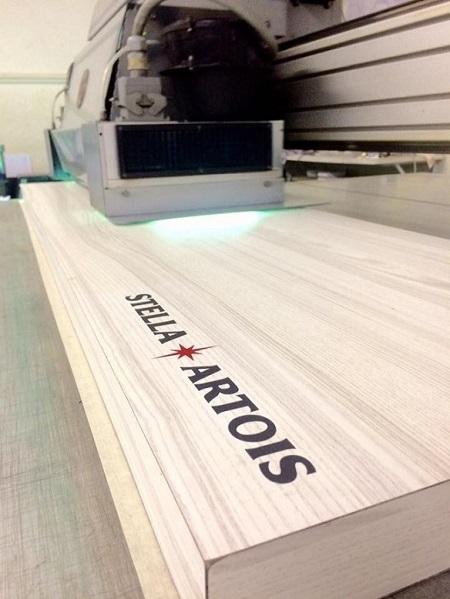 Impressão UV em madeira