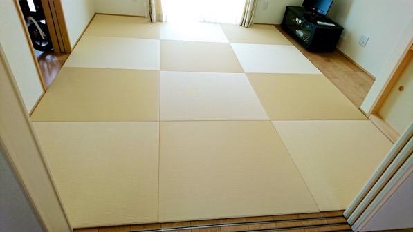 オリジナルで製作した置き畳を敷いた部屋