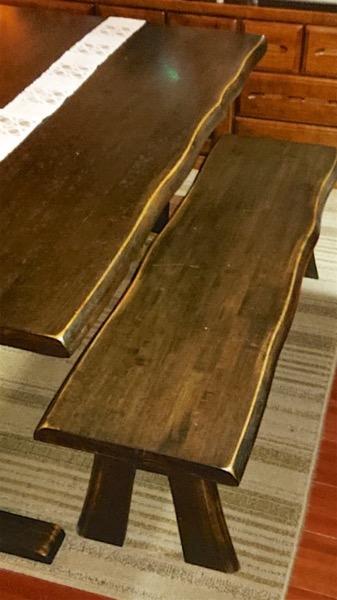 木製の腰掛け