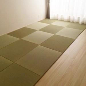 フローリングの半分は、7.5畳分の琉球畳で使い分け